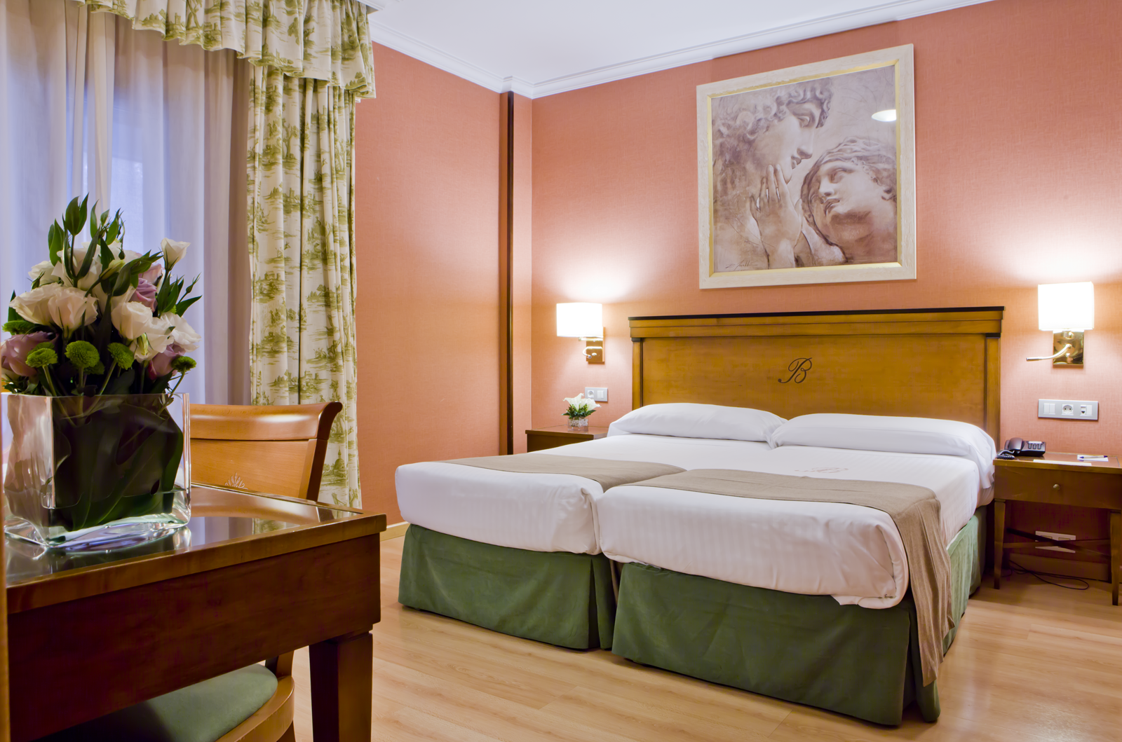 hotel becquer seville: